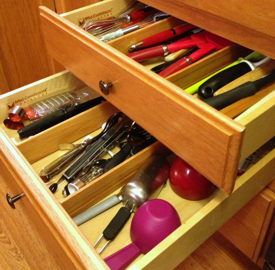 Storage Ideas For Deep Kitchen Drawers: Kitchen Drawer Organization!